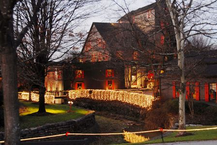 Maker's Mark Holiday Candlelight Tours