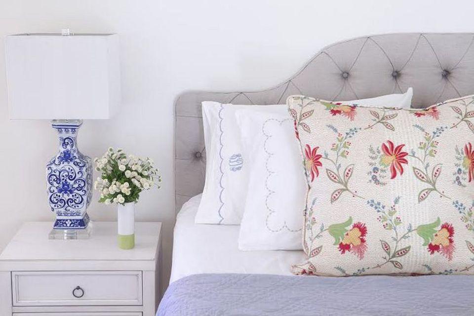 Designer tips for decorating a bedroom.