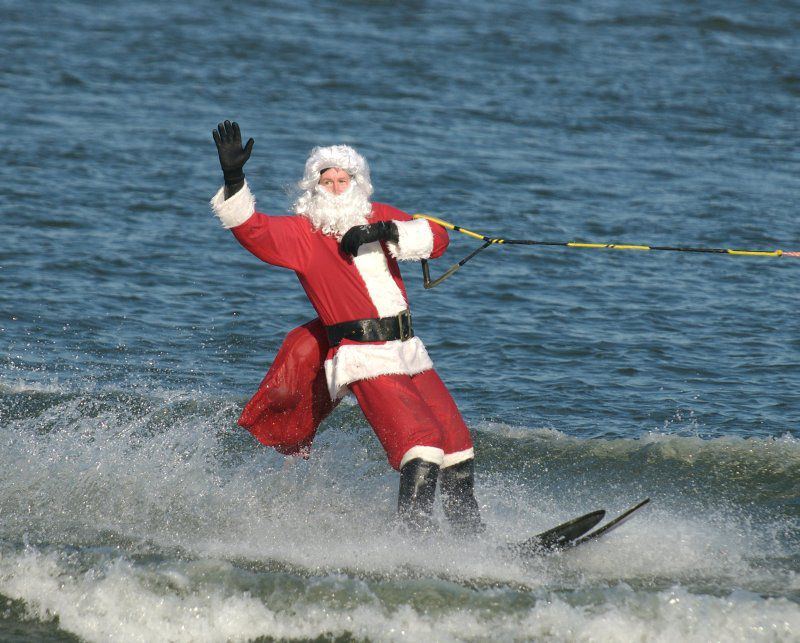The Waterskiing Santa 2017 In Washington D C