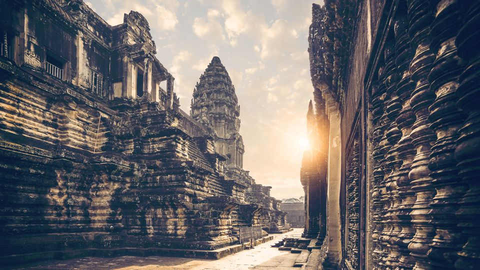 Best Time To Visit Angkor Wat Peak Season And Monsoon Season
