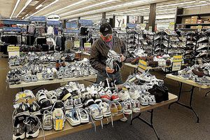 71 California Cities, 76 Sports Authority Going Out of Business Sales GettyImages-56659158