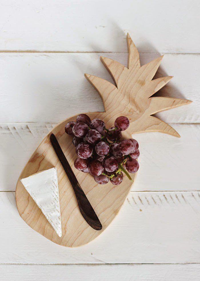 DIY Pineapple Cutting Board