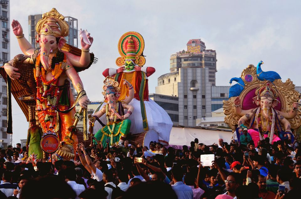 festivals in india Indian festivals, festivals in india, festivals of india, diwali, id-ul-fitr, christmas, pongal, easter, dussehra, festival celebrations in india.