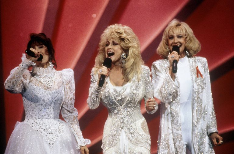 Photo of Tammy WYNETTE and Loretta LYNN and Dolly PARTON