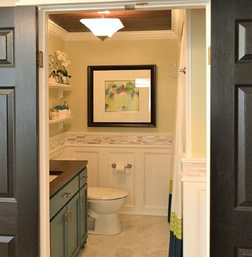 11 amazing before after bathroom remodels for Bathroom renovation before and after