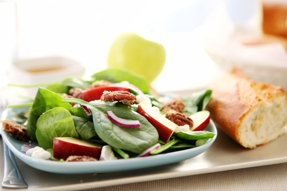 Spinach Salad With Apple