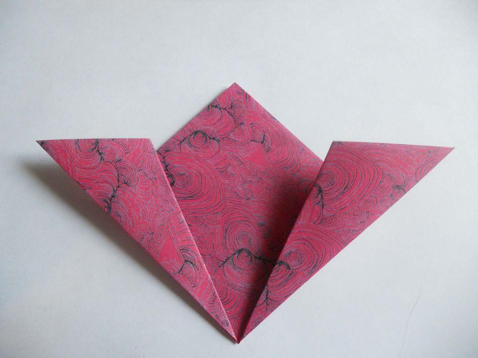 How to make an origami kusudama flower fold the corners down kusudama flower mightylinksfo