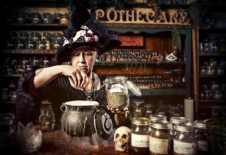 ApothecaryWitch_1500.jpg