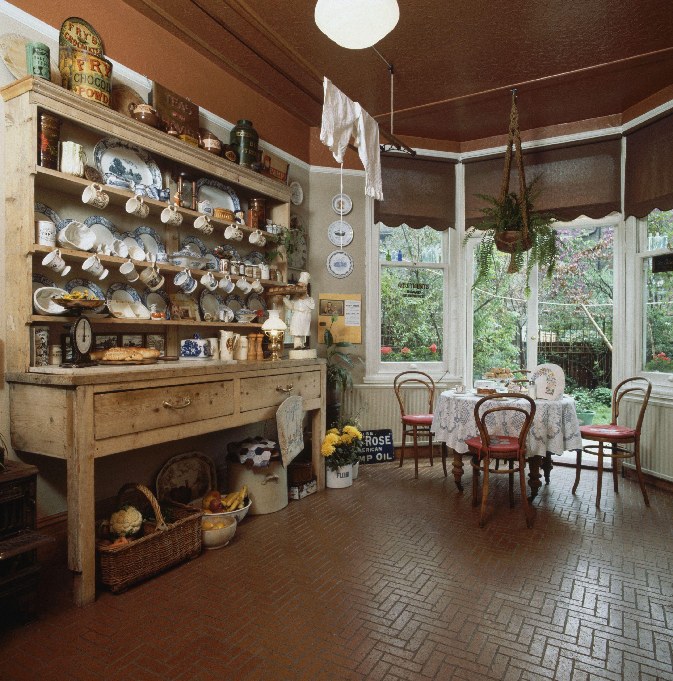 Brick Flooring Kitchen: Brick Flooring Pavers In A Kitchen Environment