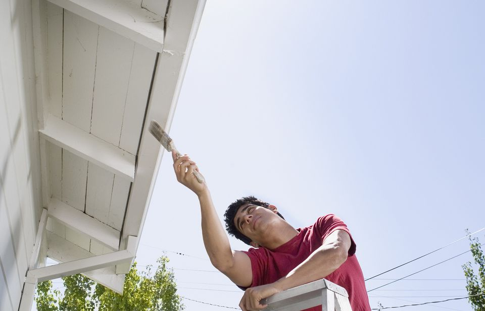 How Much Exterior Paint to Use - Spraying vs. Brushing