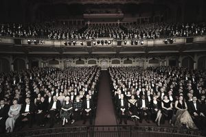 Formal audience in theatre