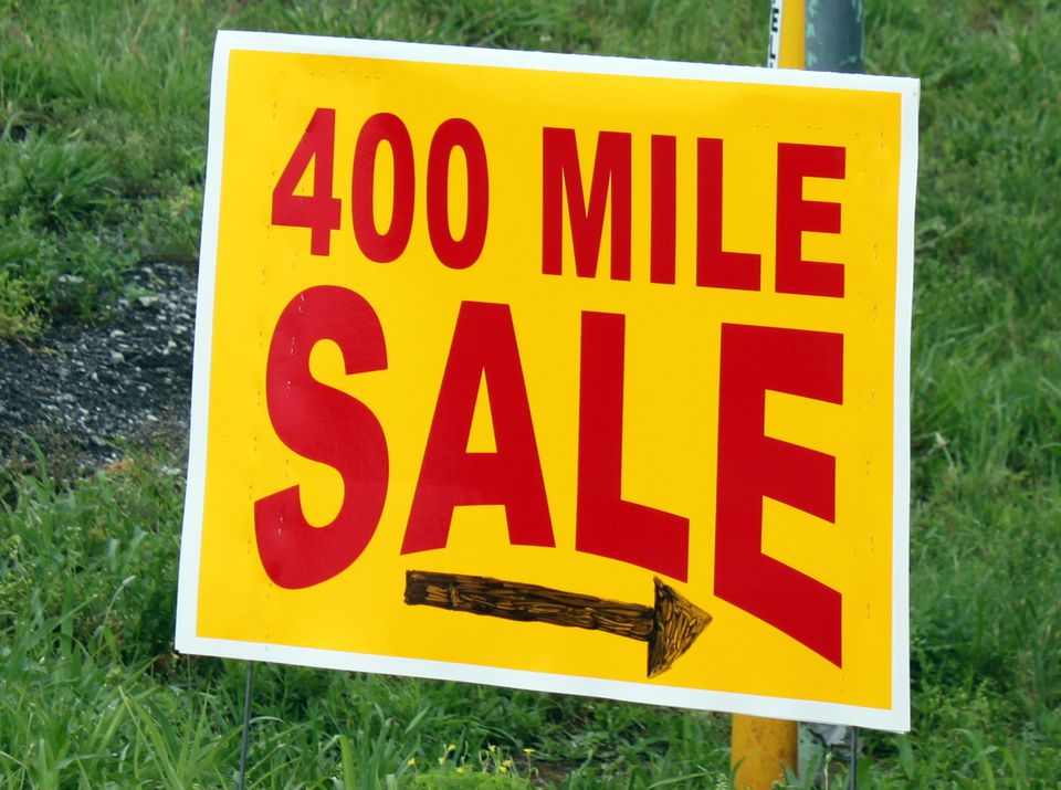 Sign marking the route of the 400 Mile Yard Sale across Kentucky.