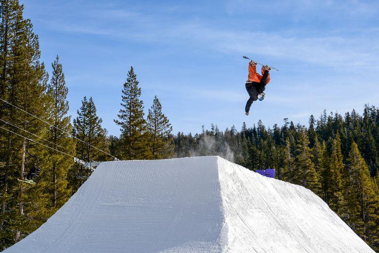 park-snowboarder.jpg