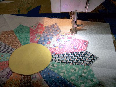 Finish the Dresden Plate Quilt Block