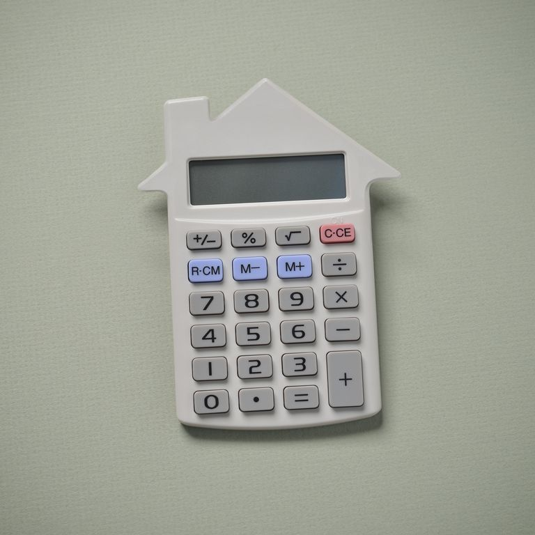 House shaped calculator