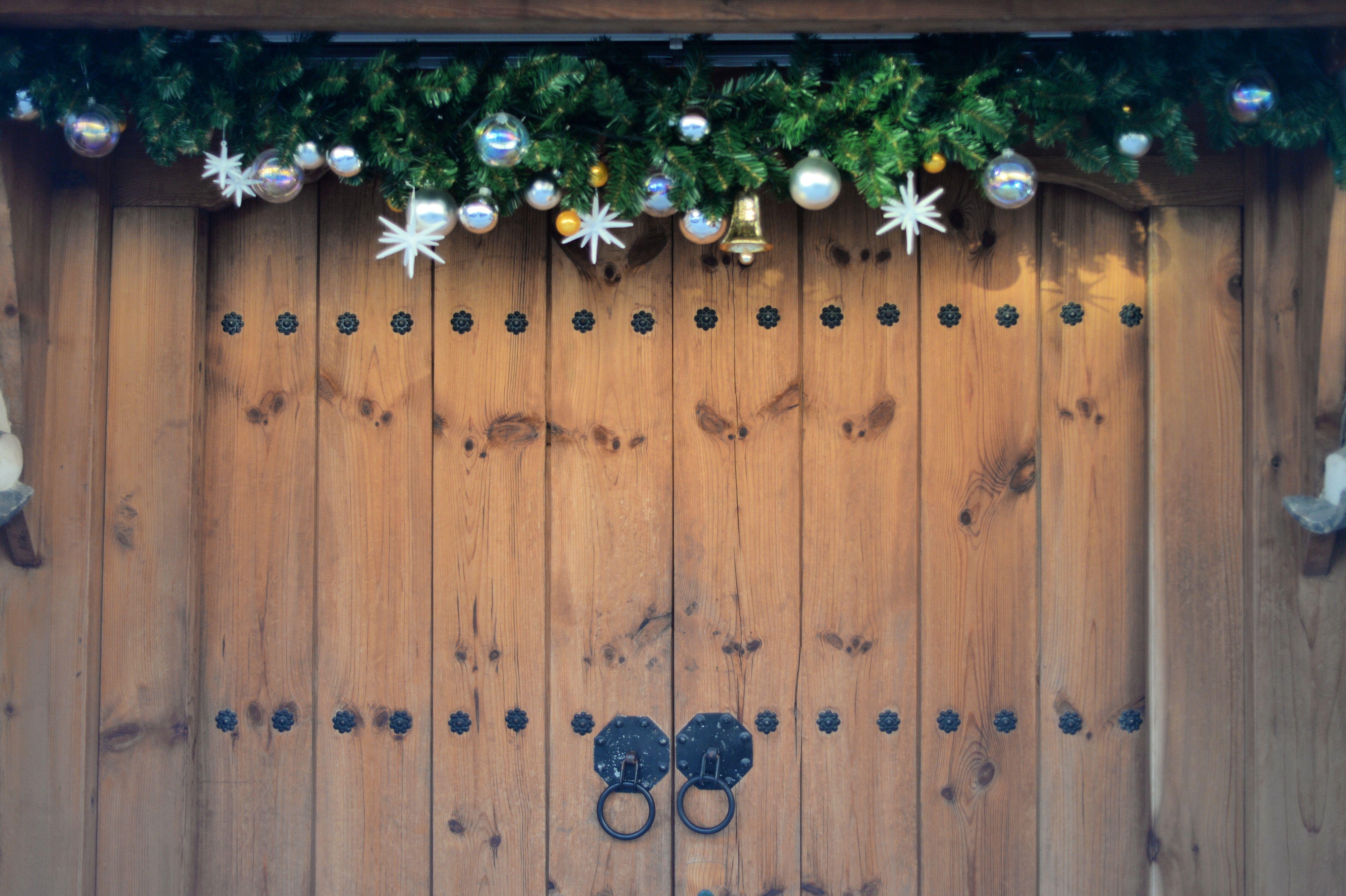 Fruit over the door christmas decoration - Christmas Decorations Hanging Over Front Door