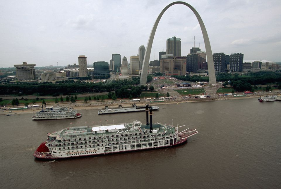 Gateway Arch and Paddlewheelers