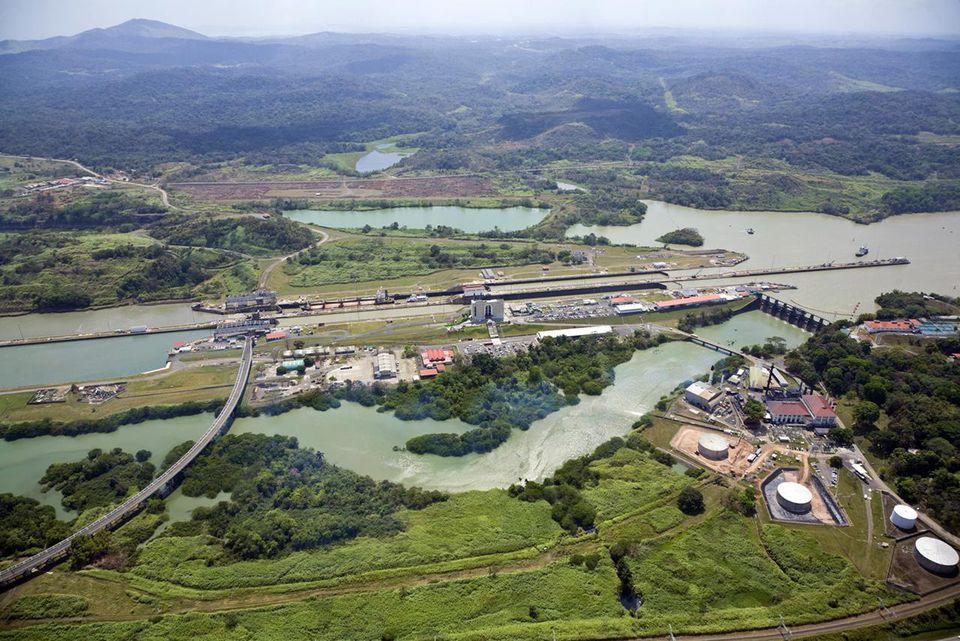 Panama, Panama Canal, Miraflores locks
