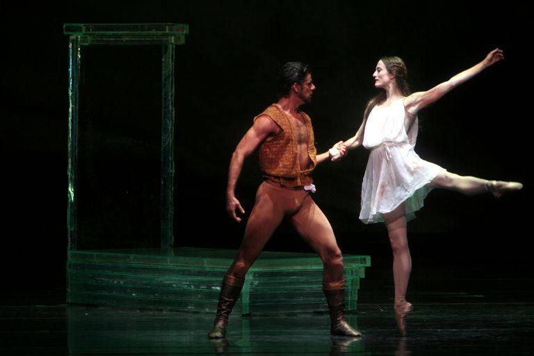 Othello and Desdemona at the Metropolitan Opera