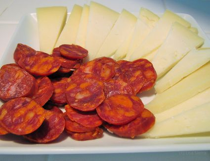 Spanish food recipes in english for spanish class make a yummy ham cheese chorizo appetizer or tapa with this recipe solutioingenieria Image collections