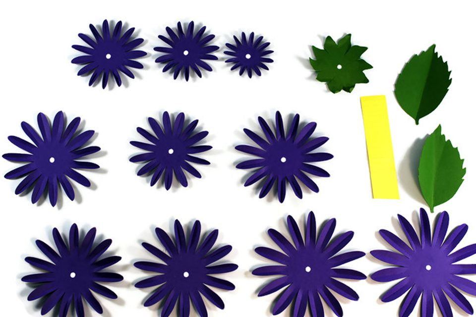 Flowers Made Out Of Tractor Parts : How to craft a pretty paper dahlia flower
