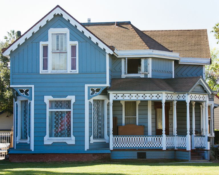 Houses of blue photos to inspire your next paint job - White house with blue trim ...