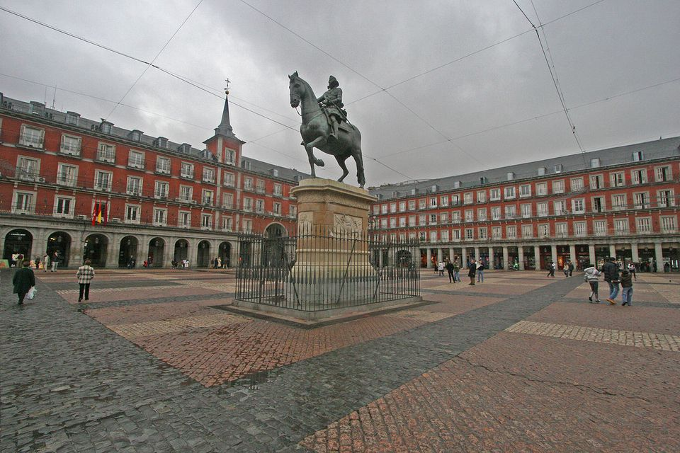 Plaza Mayor (square) of Madrid (Spain). At the centre, monument to king Philip III (1578–1621).