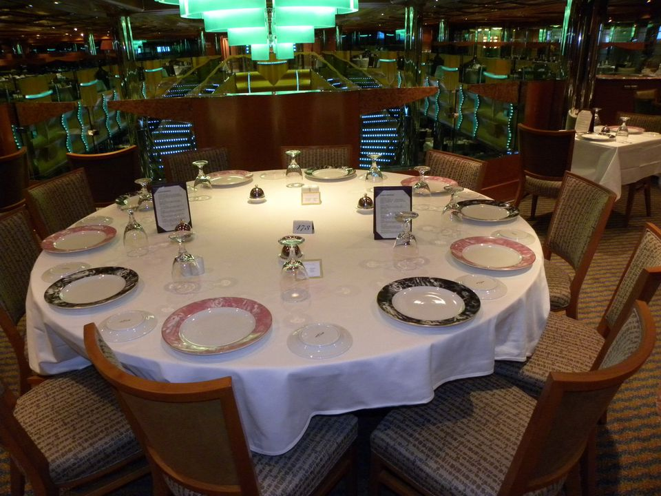 Carnival Magic - Northern Lights Dining Room Table