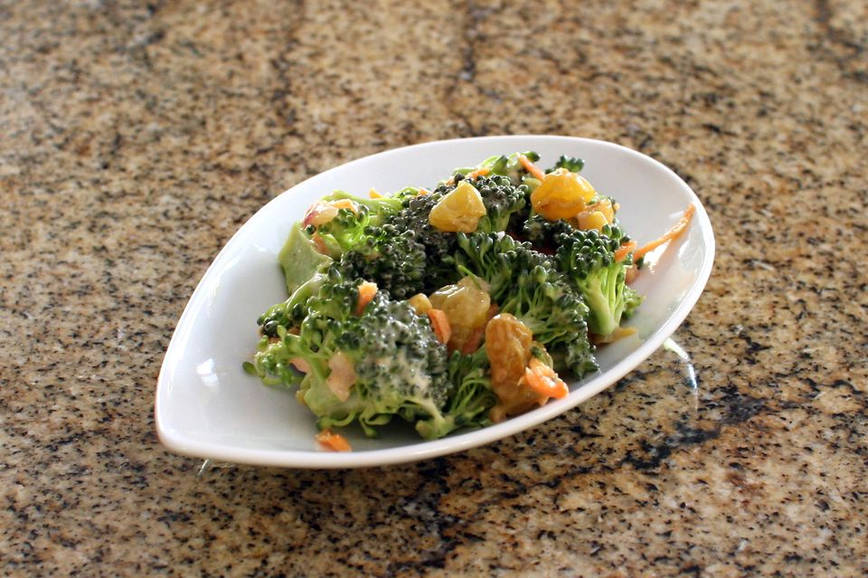 Simple broccoli salad