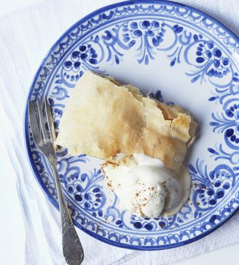 An Easy Recipe For Delicious Traditional Viennese Apple Strudel 3 Hrs Ratings German Desserts