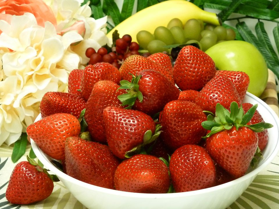 strawberrybowl2400.jpg