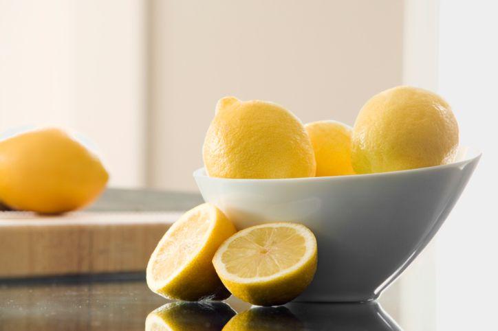 lemons in round white bowl