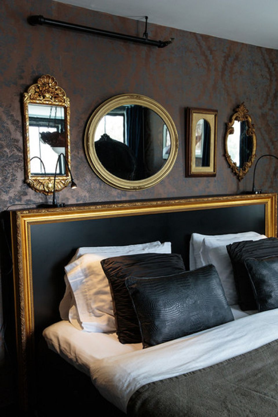Mirrors in Hollywood regency bedroom 25 Regency Style Bedroom Ideas.