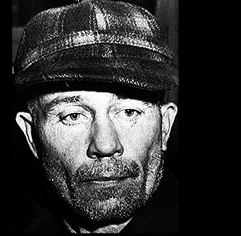 profile of serial killer edward gein