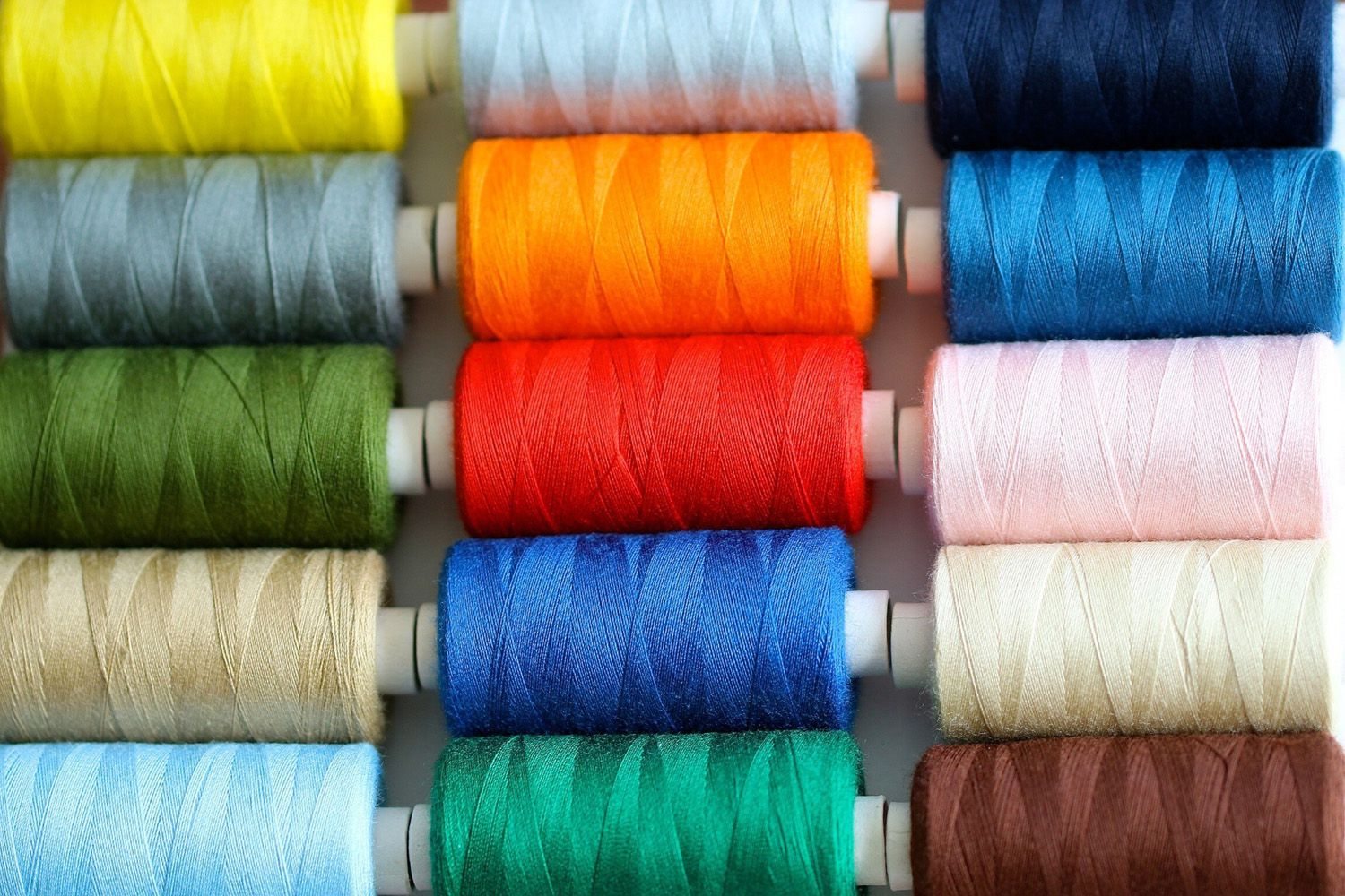 How To Choose Threads For Patchwork And Quilting