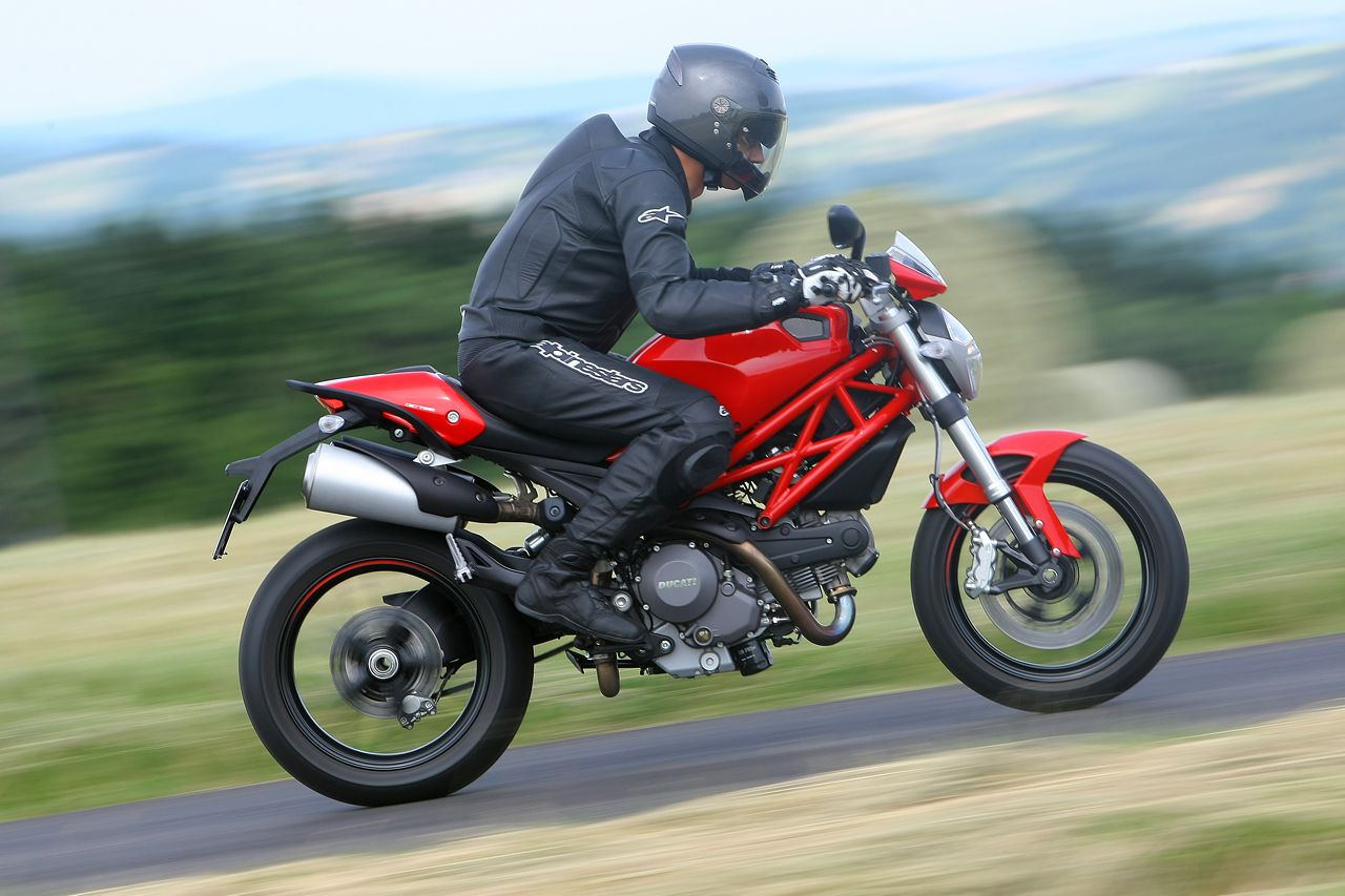 2011 Ducati Monster 796 Abs Motorcycle Review