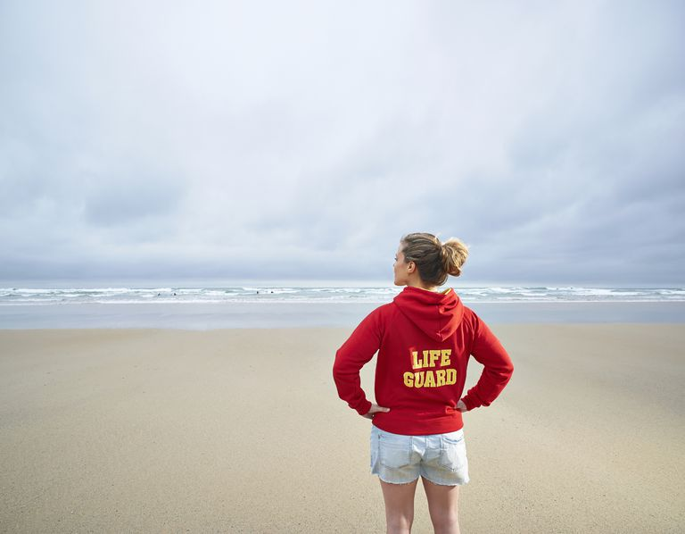 lifeguard looking at the ocean - Lifeguard Cover Letter