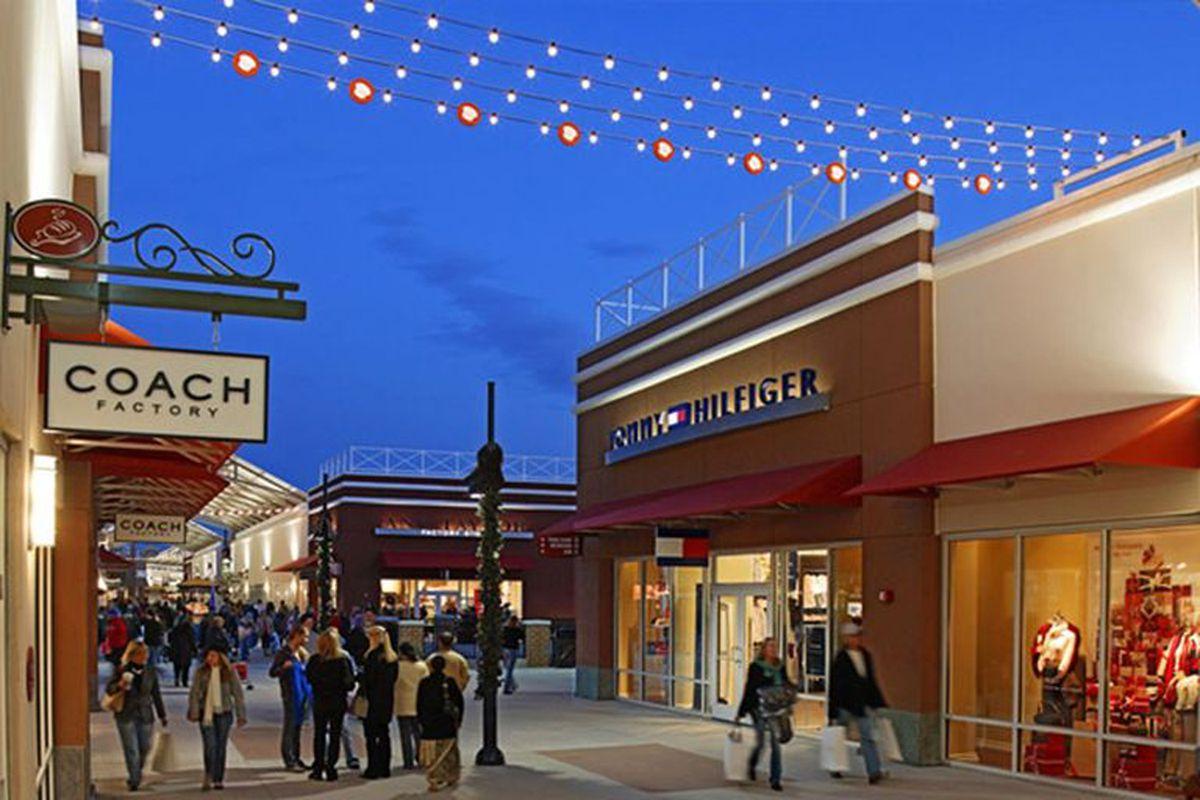 Las Vegas Auto Sales >> Philadelphia Premium Outlets in Limerick, Pennsylvania
