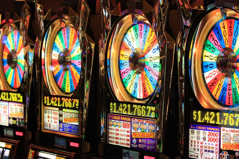 Wheel of Fortune progressive slot machines