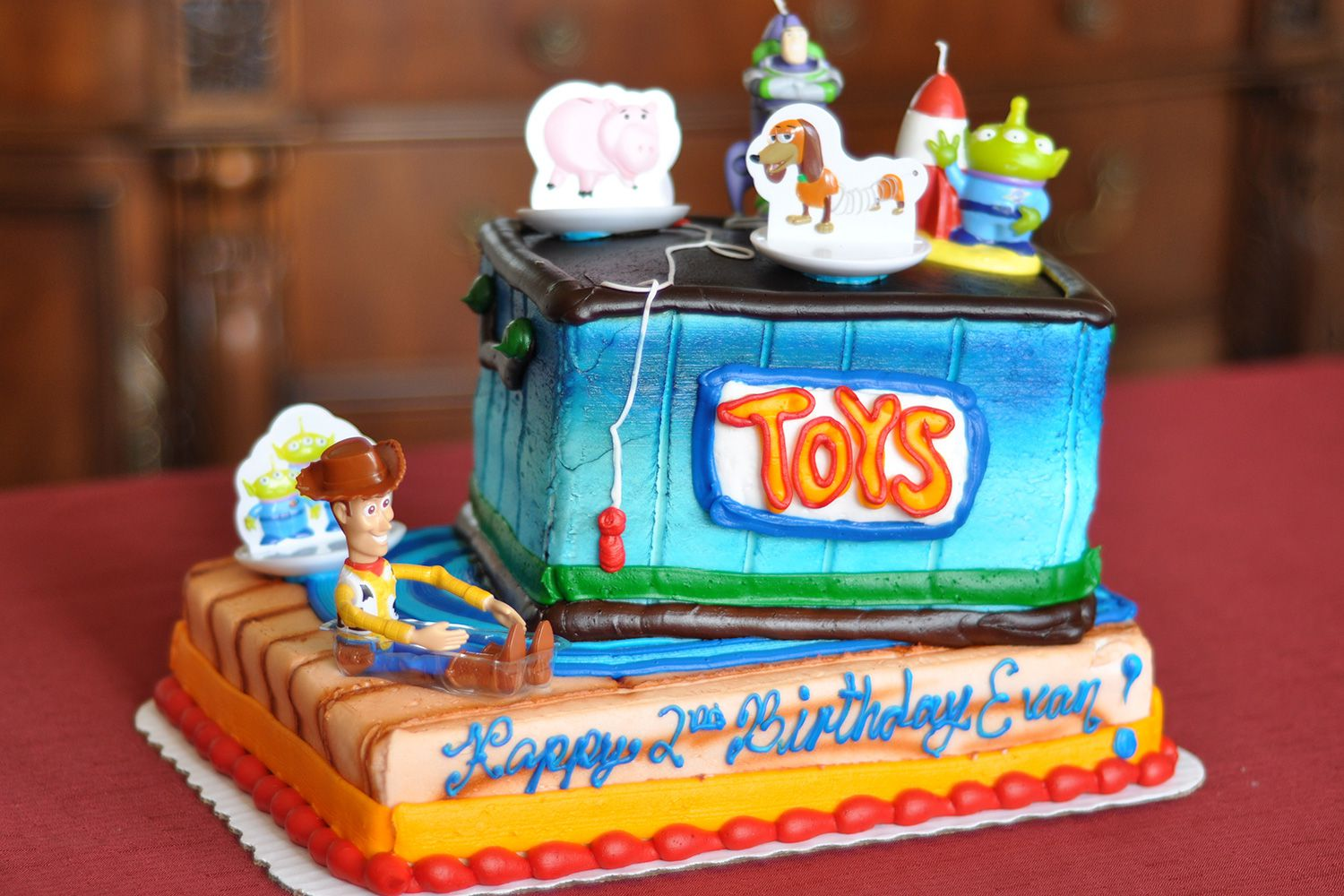 8 9 Toys For Birthdays : How to throw a toy story birthday party
