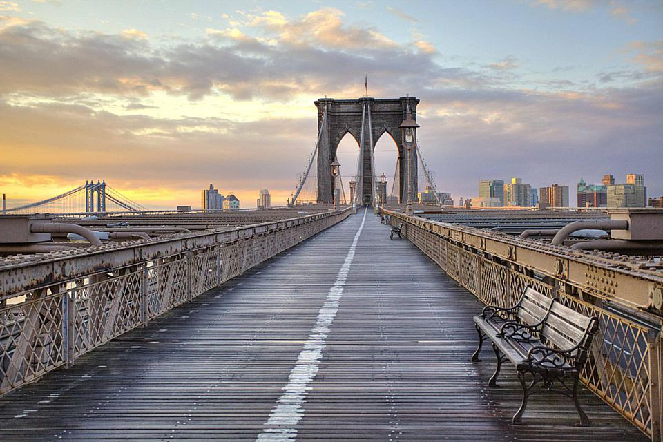 Brooklyn-Bridge-walkway--c-Anne-Strickland-Fine-Art-Photography_Moment_Getty-Images.jpg