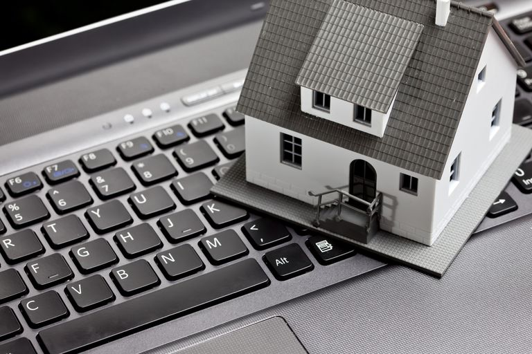 How to Market Real Estate Online