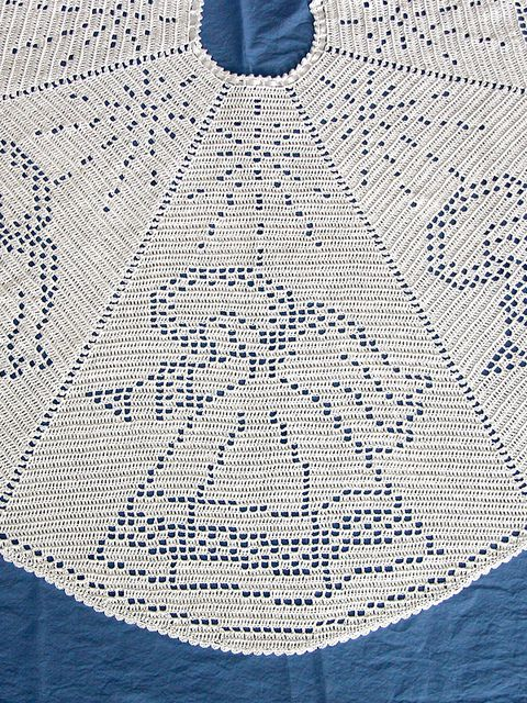 Angel Filet Crochet Tree Skirt Pattern