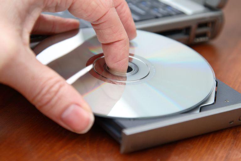 Inserting DVD