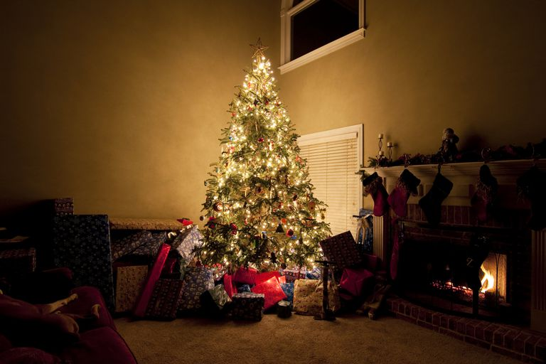 How To Save Energy During The Holidays - Christmas Lights Christmas Tree