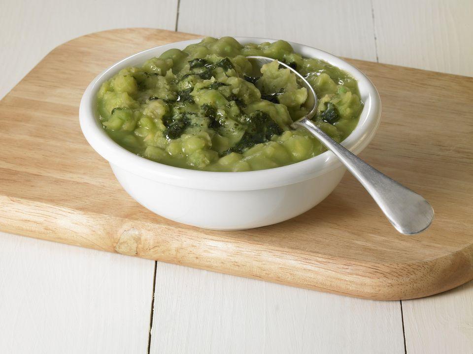 Mushy peas with mint sauce