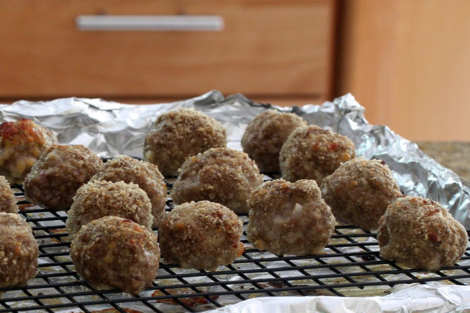 baked meatballs with crumbs