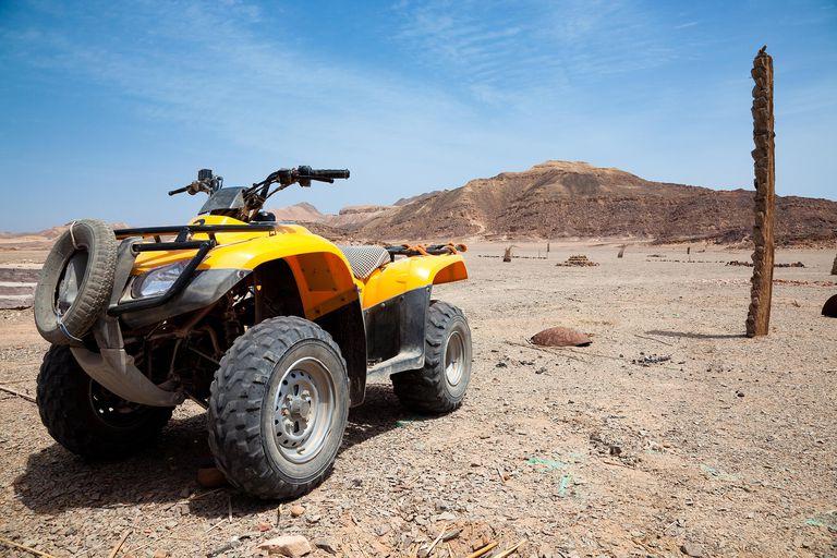 Desert rally with quad