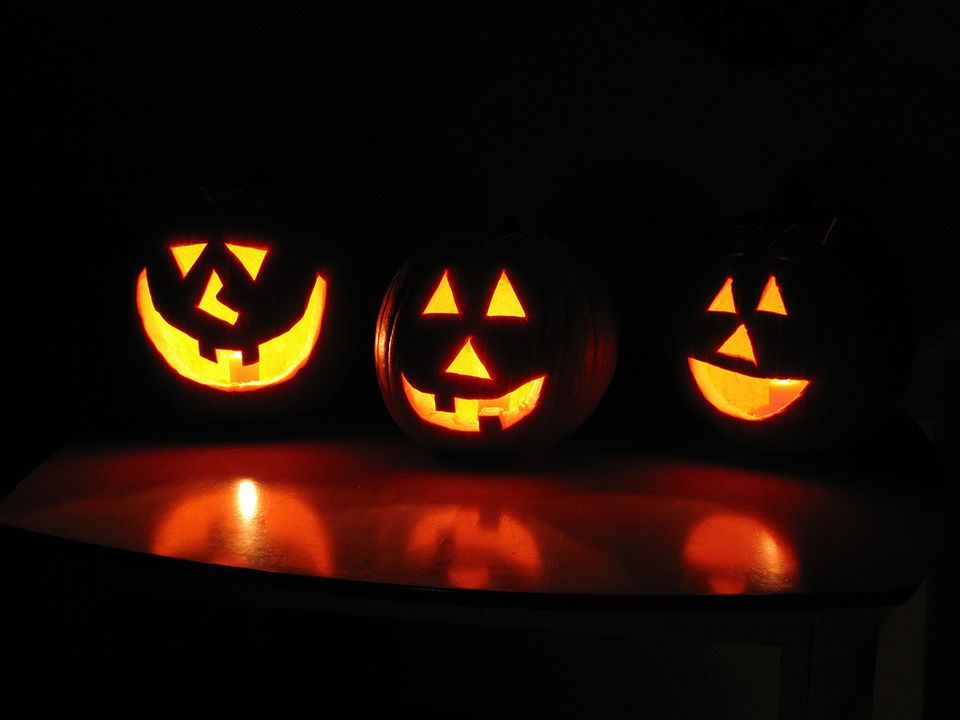 Find the best trick-or-treating spots in Sacramento.