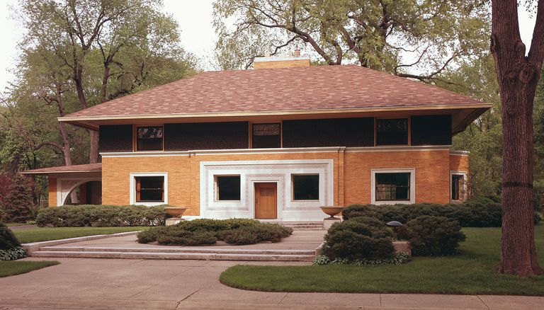 The Winslow House is an early form of a Prairie House by Frank Lloyd Wright, 2 story, yellow brick